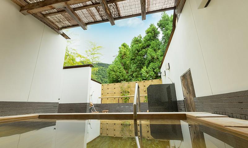 嵐山辨慶・女性用露天風呂