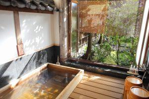 保津川の間 京都嵐山旅館辨慶(ベンケイ)露天風呂イメージ