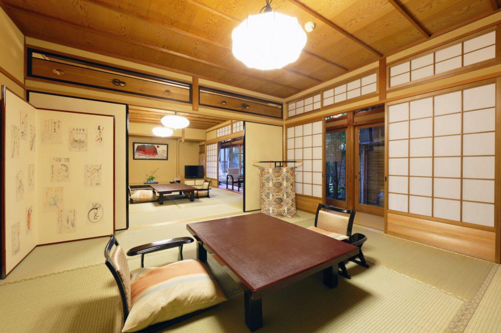 保津川の間 京都嵐山旅館辨慶(ベンケイ)