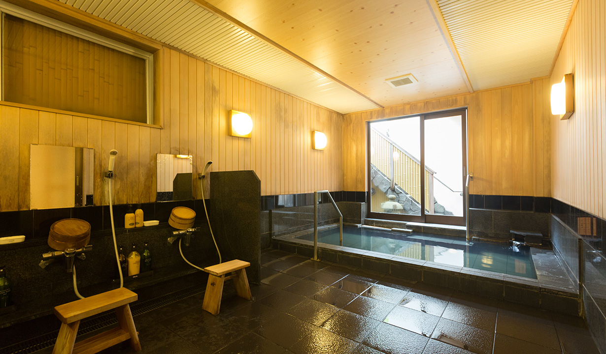 Women's indoor Onsen bath